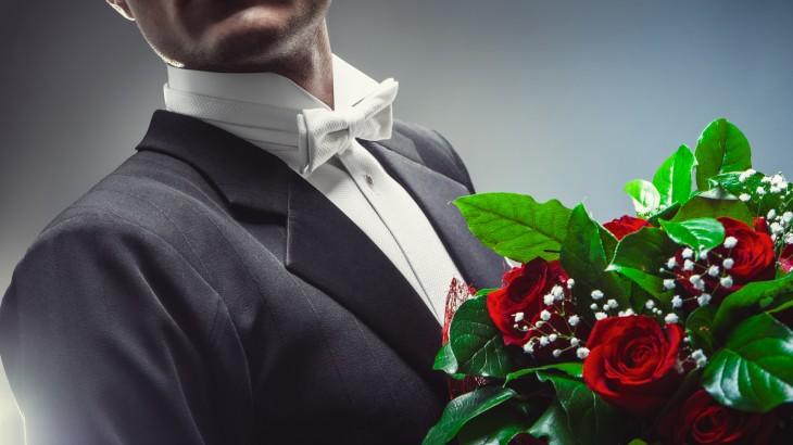 Monsieur fleurs est prêt pour vous aider à offrir des fleurs